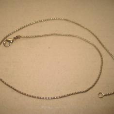 A447-Lant ceas buzunar dama vechi de in alama aurita.