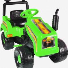 Mega tractor cu pedale, verde