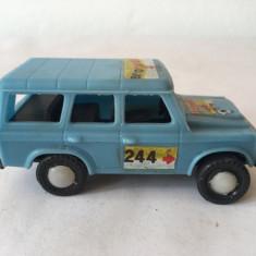 Masinuta ARO test 244 jucarie romaneasca veche, anii 80, plastic, 8 cm, albastra