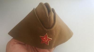 + Pilotka, boneta soldat rus din ww2 (replica de calitate) + foto