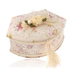 Cutie de bijuterii - trapez cu o latură rotunjită, model floral, dantelă și oglindă