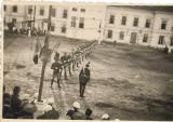 Fotografie soldati romani cu pusti anii 1930