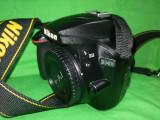 Nikon D3400 cu obiectiv de kit AF-P DX Nikkor 18-55 mm f3.5-5.6G VR
