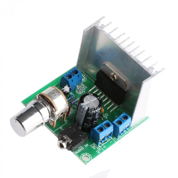 Modul amplificare TDA7297 / Amplificator stereo 2x15W cu radiator si AUX (t.422)