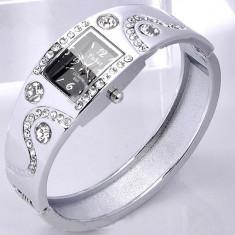 Elegant ceas de dama argintiu cu cristale