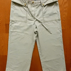 Pantaloni ¾ Tommy Hilfiger; marime M, vezi dimensiuni exacte; impecabili, ca noi, Din imagine