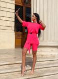 Compleu dama ieftin din bumbac roz neon compus din pantaloni scurti si tricou lejer cu centura