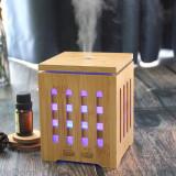 Cumpara ieftin Difuzor uleiuri esentiale aromaterapie din bambus cu ultrasunete,7 Culori LED, Oprire Automata, Forma Moderna Cubica, Rezervor 200ml