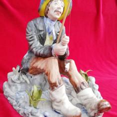 Pescar cu undita și pești figurina statueta portelan România Epoca de Aur