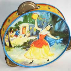 Jucarie veche din tabla, tamburina Anglia perioada anilor '70 - '80