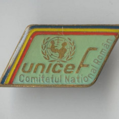 Insigna  1970 UNICEF COMITETUL NATIONAL ROMAN - Pionieri tineret