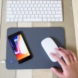 Mouse pad pentru incarcat gadgeturi wireless   Kikkerland