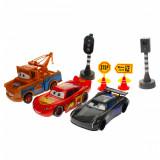 Set cu masinute Cars, semafor si stop cu luminte, indicatoare - 089