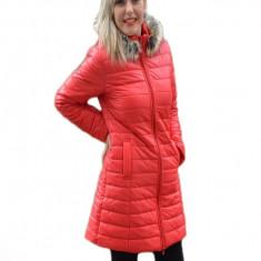 Jacheta lunga cu gluga, de toamna-iarna din fas, culoare rosie