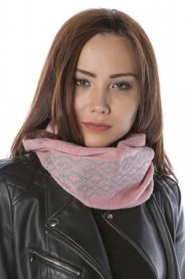 Fular roz pudra cu broderie traditionala foto