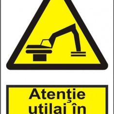 Indicator Atentie utilaj in miscare - Semn Protectia Muncii