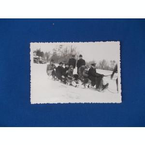 FOTOGRAFIE GRUP CU MILITARI , AMINTIRE DIN IARNA ANULUI 1936