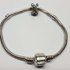 Bratara cu un talisman model 19, tip pandora