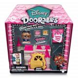 Mini Set Doorables S1 cu 2 Figurine si Accesorii Beast Chateau, Moose