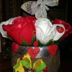 Trandafiri de sapun - Aranjament de Martisor - OKAZIE