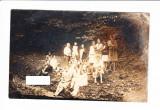 Foto tip CP grup de personaje pe malul unui rau, 1929