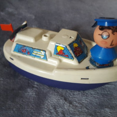 Jucarie Veche  din plastic cu motor.