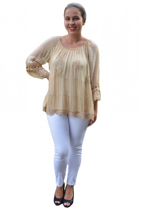 Bluza Anastasia rafinata cu insertii fine de dantela ,nuanta de maro deschis