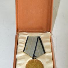 Meritul Militar in cutie - medalie veche militara RPR