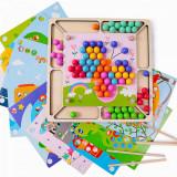 Joc Montessori de asociere si indemanare cu bile colorate.