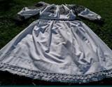 Costum popular vechi de femei.