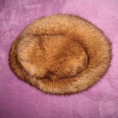 Cumpara ieftin Caciula blana naturala vulpe polara, Mar 52/ 54