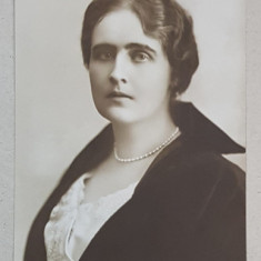 A.S.R. PRINTESA ELISAVETA , PORTRET , FOTOGRAFIE TIP CARTE POSTALA , SEMNATA JULIETTA , CIRCULATA , 1919