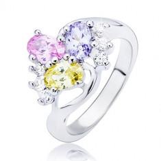 Inel lucios - linie curbată şi zirconiu oval, colorat - Marime inel: 49