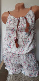 Cumpara ieftin Salopeta scurta in bretele cu model floral pentru dama cod 583