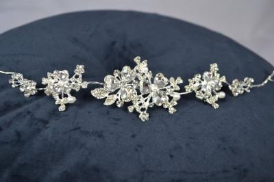 Diadema Argintie model reglabil cu floricele, pietre si perle foto