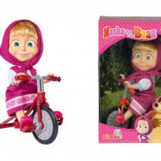Papusa Masha cu tricicleta