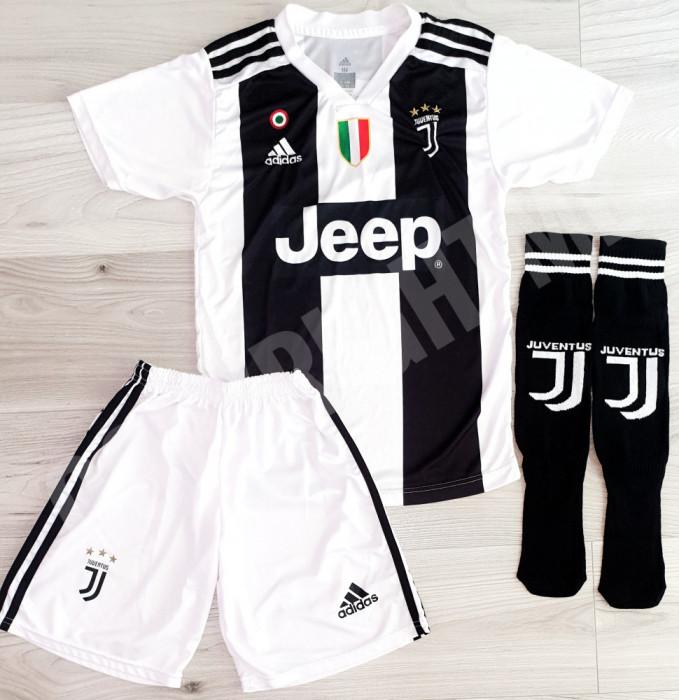 Compleu Echipament fotbal pentru copii RONALDO Juventus