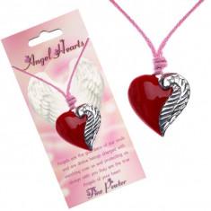 Colier din șnur cu pandantiv în formă de inimă roșie și aripă