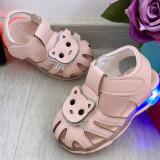 Cumpara ieftin Sandale roz cu lumini LED si pisicuta pantofi moi pt fetite 18 17 19 20 21 22, Fete