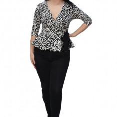 Bluza eleganta Tania,imprimeu animal print,negru-alb