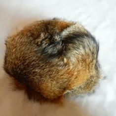 Fes dame blana naturala; marime S (55 cm circumferinta cap); impecabil, ca nou