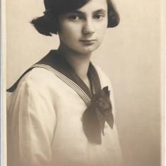 Fotografie portret tanara studio Angelo Oradea poza veche