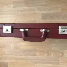 Geanta diplomat cu cheie 44cm/31cm/8