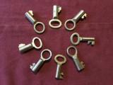 Lot 8 bucati - Cheie / Chei vechi dimensiuni mici / diverse modele !