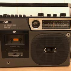 Vând radio-casetofon cu înregistrare casete JVC 9501LE