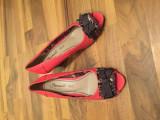 Pantofi decupati la degete, cu toc ortopedic, comozi si de efect, 37, Corai, Benvenuti