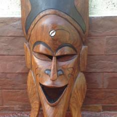 Masca din lemn masiv - Arta Africana !!!