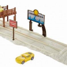 Set de joaca masinute Disney Cars 3 Cursa pe plaja