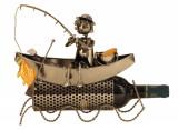 Cumpara ieftin Suport modern de Sticle Vin, Pescar pe Barca, pescuind un Peste Auriu, Metal lucios, Maro Negru, capacitate 1 Sticla, H 27 cm