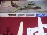 Macheta Aeromodel vechi AN-24,plastic de construit,ambalaj original,1988,,T.GRAT, 1:28, UM
